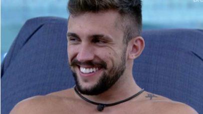 "BBB21: Arthur ironiza fala de Bolsonaro: ""Meu histórico de atleta"""
