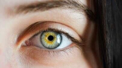 Casos graves da Covid-19 podem afetar os olhos, diz pesquisa