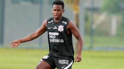 Cazares faz testes físicos no CT do Fluminense e Manoel já pode estrear com a camisa do clube