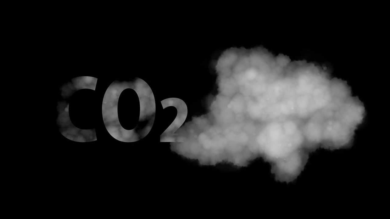 CO2 saindo fumaça