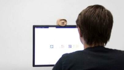 """Conheça a """"Eyecam"""", uma webcam capaz de seguir os movimentos humanos"""