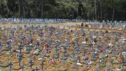 Covid: Brasil registra 3.481 mortes nas últimas 24h e ultrapassa a marca dos 378 mil mortos pela doença