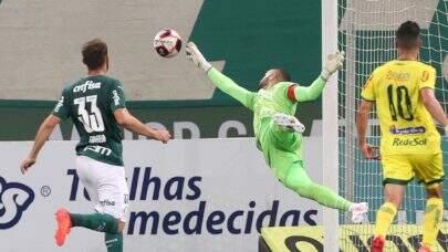 Em casa, Palmeiras perde para o Mirassol e se complica no Paulistão