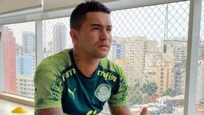 Ex-Palmeiras, Dudu fica fora de torneio no Catar e posta foto rumo ao Brasil