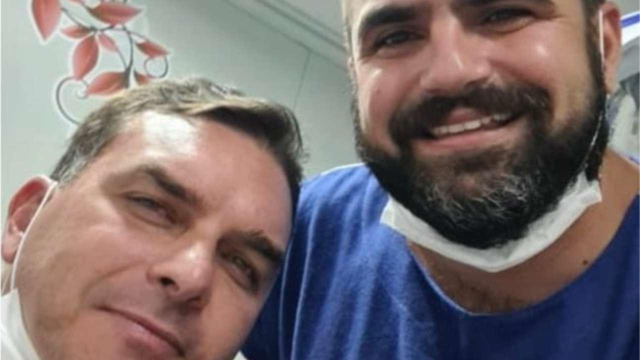 Flávio Bolsonaro sofre acidente de quadriciclo
