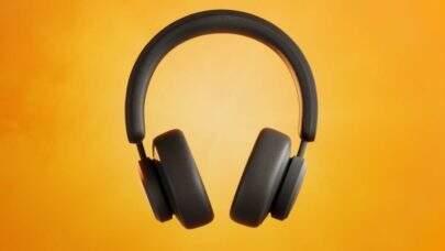 Fone de ouvido com recarga solar garante bateria infinita