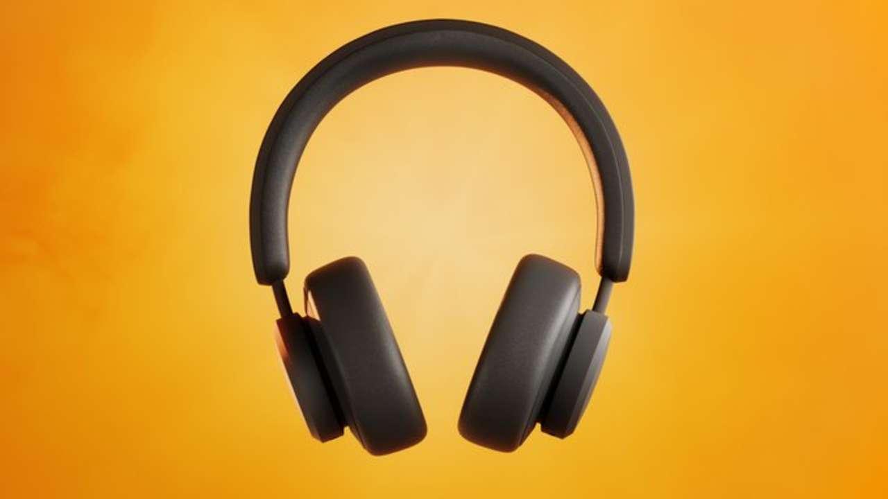 Fone de ouvido preto com fundo amarelo