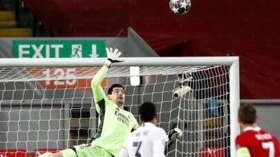 Fora de casa, Real Madrid empata com o Liverpool e avança para às semifinais da Champions League