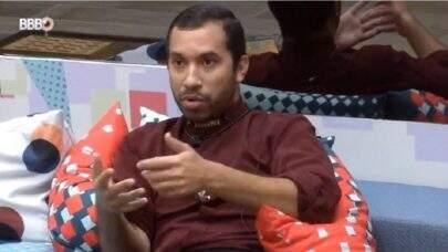 BBB21: Gil é ignorado por Viih Tube e se revolta: 'O que eu fiz para essa menina?'