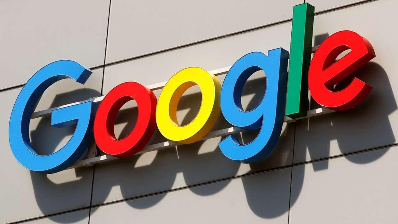 Logo colorido do Google em prédio