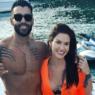 Gusttavo Lima filma Andressa Suita cantando música do casal e fãs vão à loucura
