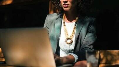 Intel e PrograMaria estão juntas em um projeto para capacitar mulheres negras e pessoas trans na área da tecnologia