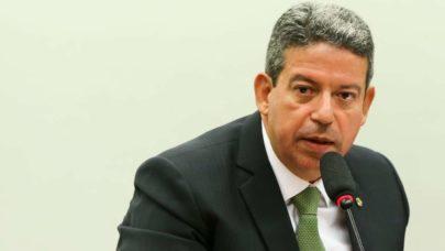 Lira diz que não vê razão em 95% dos pedidos de impeachment de Bolsonaro