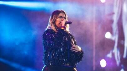 Marília Mendonça anuncia sua primeira live em 2021 e fãs vão à loucura