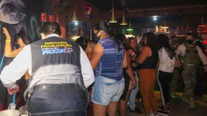 São Paulo: Operação fecha festa clandestina com 120 pessoas dentro de bar