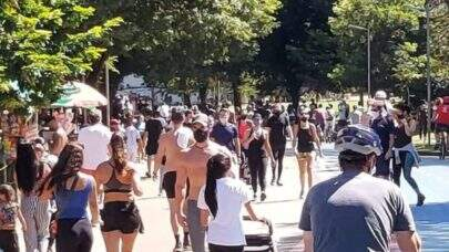 São Paulo: Parque Ibirapuera e Aquário registram filas e aglomerações neste domingo (25)