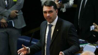 STJ rejeita recurso e mantém anulação da quebra de sigilo de Flávio Bolsonaro