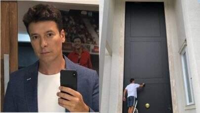 Rodrigo Faro tenta pintar porta gigante da mansão e bomba na web