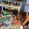 """BBB21: Caio questiona Gilberto sobre Prova do Líder: """"Você acha que alguém entregou esse jogo?"""""""