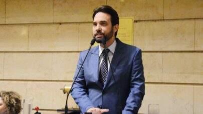 Vereadores recebem inquérito contra Jairinho e pedido de cassação deve ser unânime