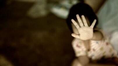 São notificados ao menos 10 casos de agressão contra menores de idade a cada hora, no Brasil