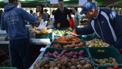 Para especialistas, alta no preços dos alimentos deve perdurar até a retomada da economia brasileira iniciar