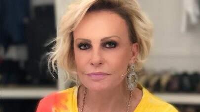 Ana Maria Braga surge com look inusitado, aceita 'desafio da banana' e vira meme na web