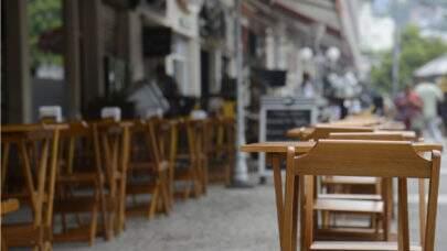 Ministério da Economia pediu para adiar a discussão no Senado de lei que cria auxílio de 2 mil a bares e restaurantes
