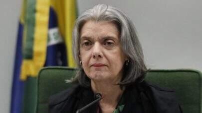 Cármen Lúcia pede ao STF julgamento de notícia-crime contra Bolsonaro por genocídio