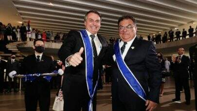Almirante Flávio Rocha deixa Secom, mas segue no governo