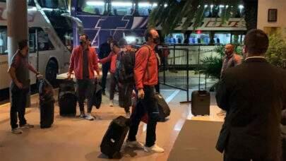 Flamengo desembarca em Buenos Aires para estreia na Libertadores contra Vélez Sarsfield