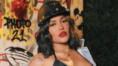 """Ex-BBB Flay surge com look ousado para anunciar nova música: """"Perfeita demais"""""""