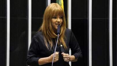 Há 50 dias da decisão da Justiça, Lira não leva em pauta o afastamento de Flordelis do mandato; Entenda a acusação