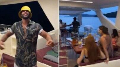 Gusttavo Lima curte passeio de iate com amigos e fãs flagram Andressa Suita em vídeo