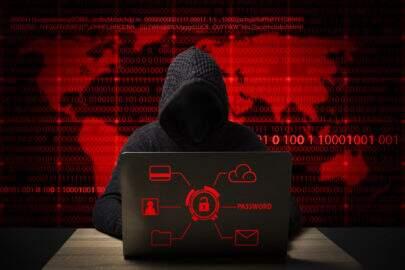 Câmara aprova projeto de lei que endurece penas contra crimes virtuais