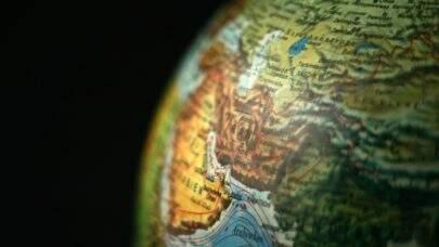Arábia Saudita e Irã conversam em tentativa de amenizar tensões