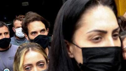 Defesa de Dr. Jairinho e Monique Medeiros pede Habeas Corpus do casal, alegando 'ilegalidade' na prisão
