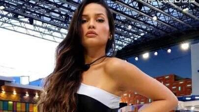 "Juliette, do BBB21, curte ducha de biquíni e ostenta saúde na web: ""Maravilhosa"""