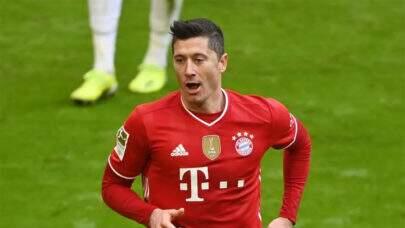 Após lesão no joelho, Lewandowski volta a treinar com bola