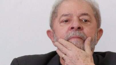 Em TV Italiana, Lula pede desculpas por não ter deportado o assassino Cesare Battisti