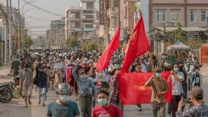 Em Mianmar, Forças Armadas cobram taxa para devolver corpos as famílias de manifestantes