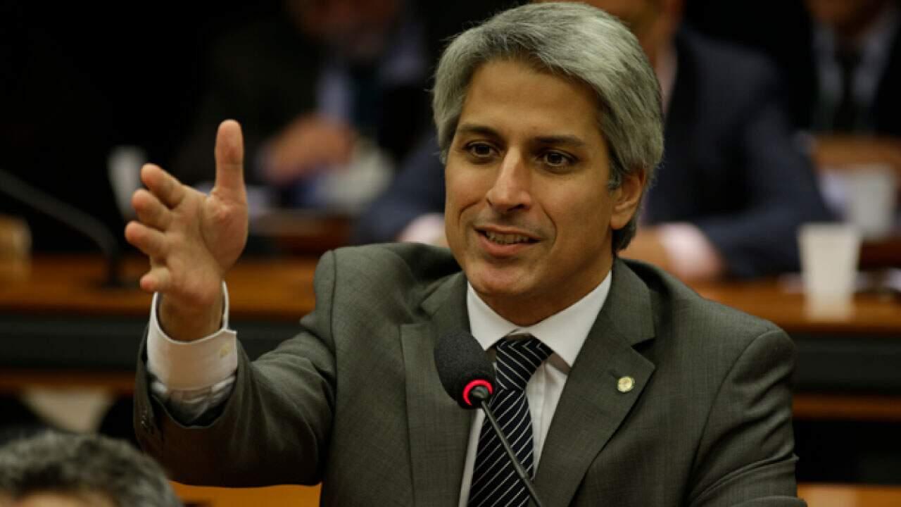 O deputado Alessandro Molon (PSB-RJ), no Plenário da Casa