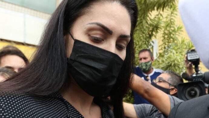 Monique Medeiros, mãe de Henry Borel, investigada pelo seu assassinato;