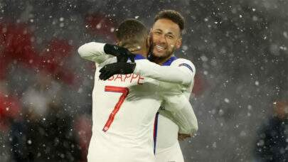 Neymar e Mbappé formam a dupla que mais marcou gols combinados na Liga dos Campeões