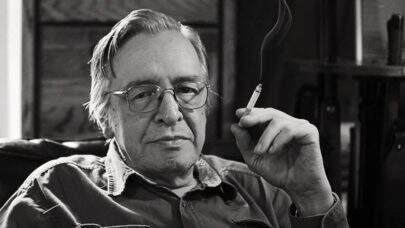 Escritor Olavo de Carvalho é internado com problemas respiratórios, nos EUA