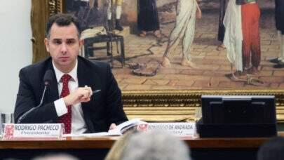 """Pacheco diz que não vai impedir a CPI contra o presidente """"Quando ele prega qualquer tipo de negacionismo, eu vou criticar"""""""