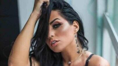 """6 vezes que Perlla renovou o bronzeado e esbanjou boa forma na web: """"Que mulher!"""""""