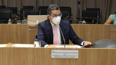 """Presidente da Conass aponta falha no combate à pandemia e fala em """"grande conflito federativo"""""""