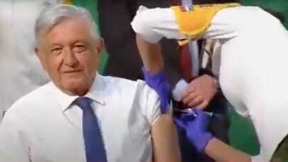 Negacionista, presidente do México muda de ideia e toma a vacina contra a covid-19
