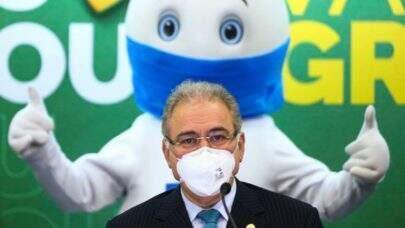 Brasil terá 30,5 milhões de doses de vacinas contra covid-19 em abril, afirma Queiroga